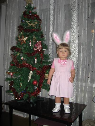 В лесу родилась ёлочка, а моя зайка в род.доме=))