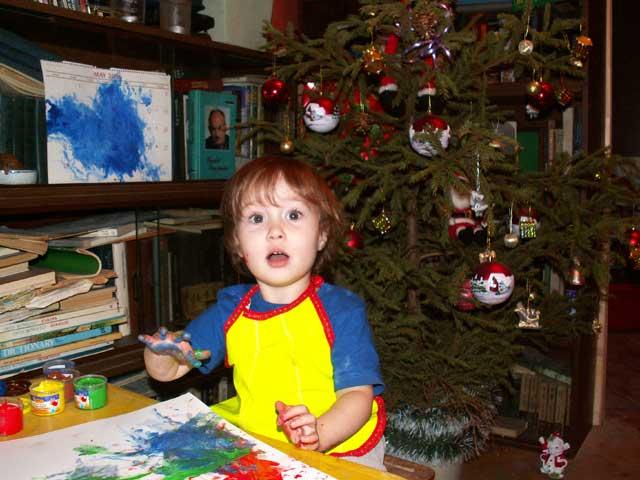 Мама, я Новый год рисую!